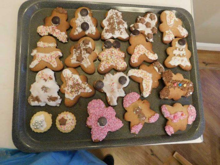 Gingerbread-men-aveley-lodge